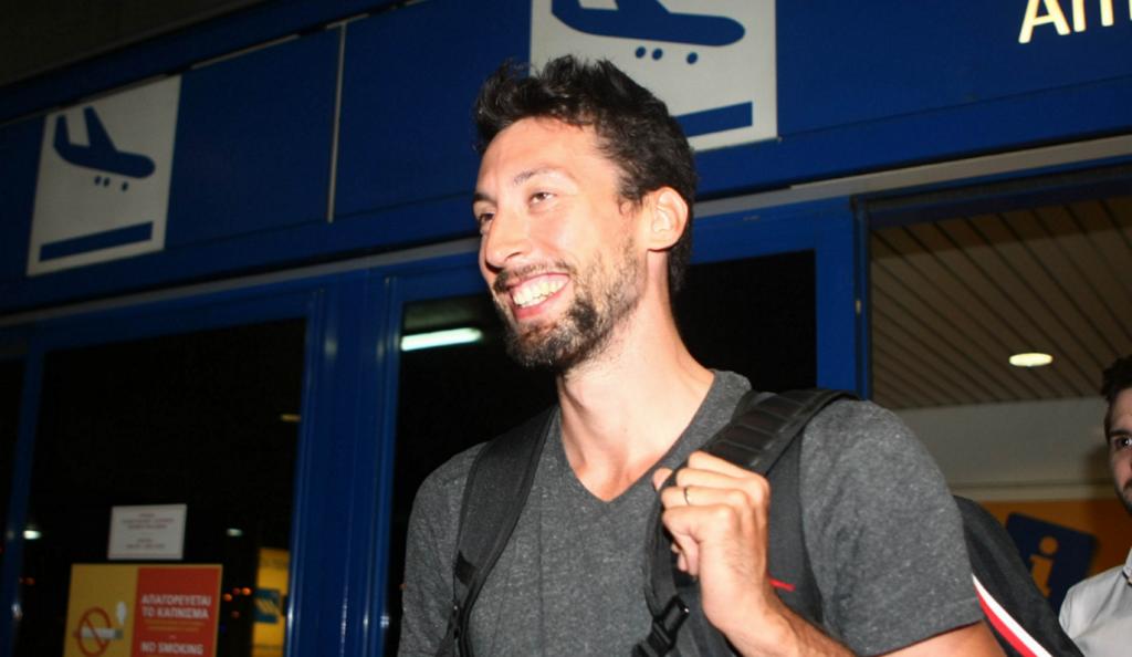 Ούκιτς: «Θέλω να μείνω στην ΑΕΚ, περιμένω το πρώτο βήμα από τη διοίκηση» | Pagenews.gr