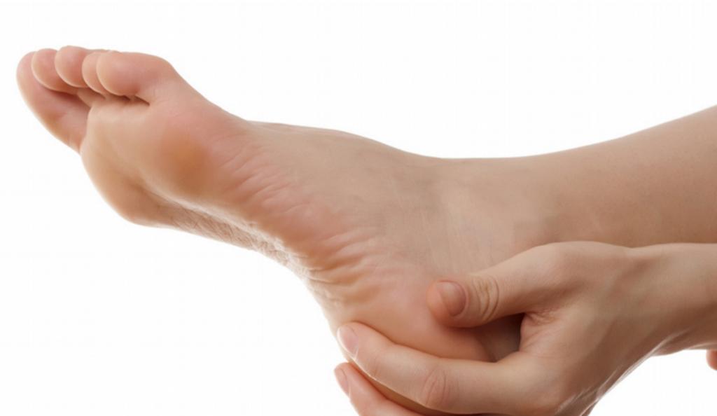 Πώς να αντιμετωπίσετε φυσικά τους μύκητες στα πόδια | Pagenews.gr