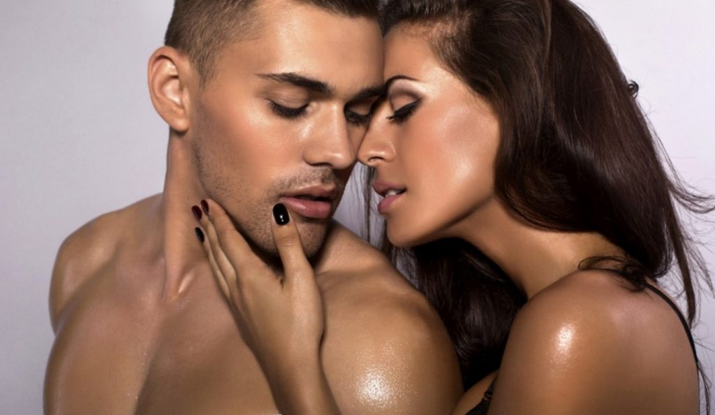 Πώς μπορείς να κάνεις έναν άνδρα να ξετρελαθεί μαζί σου; | Pagenews.gr