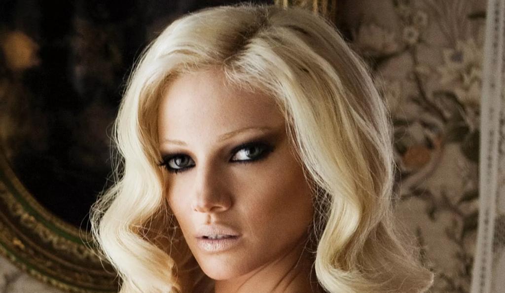 Η Τζούλια «απάντησε» στο Survivor: Ημίγυμνη με «καυτά» εσώρουχα! (pic) | Pagenews.gr