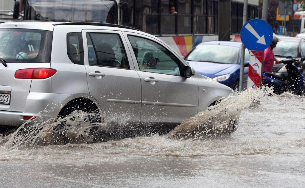 Μεγάλα προβλήματα σε όλη την Αθήνα – Έκλεισαν δρόμοι λόγω της βροχής (pic) | Pagenews.gr