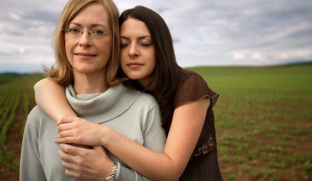 Πέντε λάθος συμβουλές που μας έδωσαν οι μητέρες μας για τους άνδρες! | Pagenews.gr
