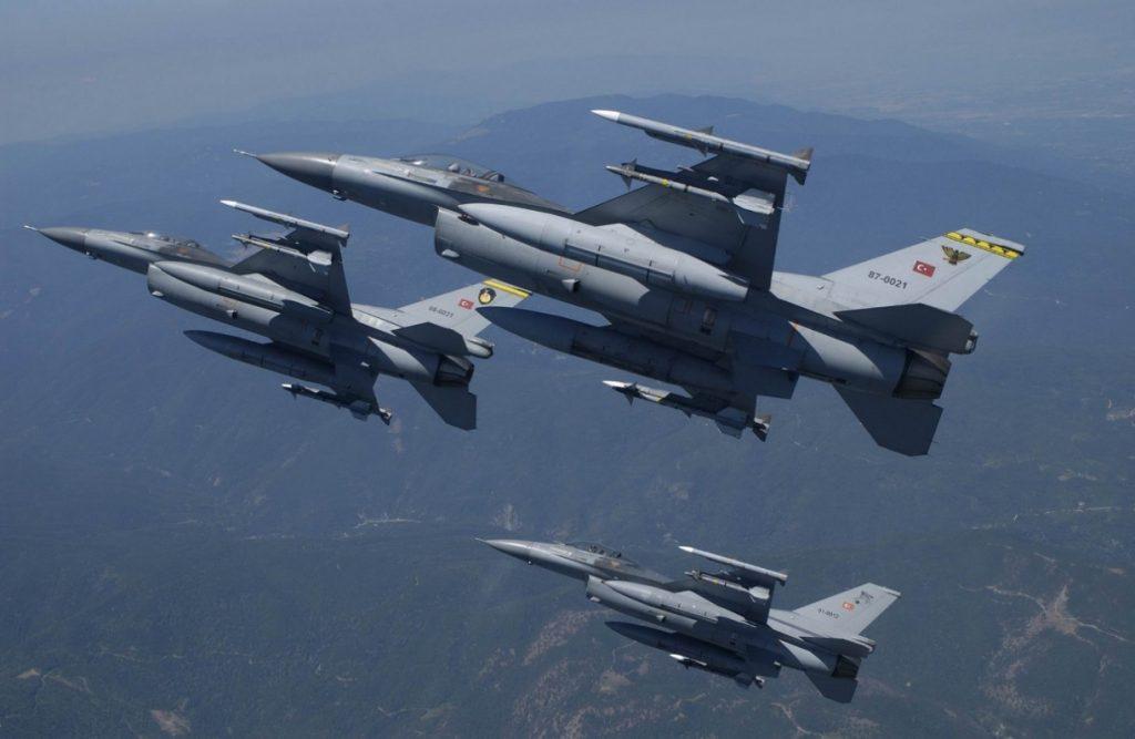Τουρκικές παραβιάσεις: Τρεις εικονικές αερομαχίες πάνω από το Αιγαίο | Pagenews.gr