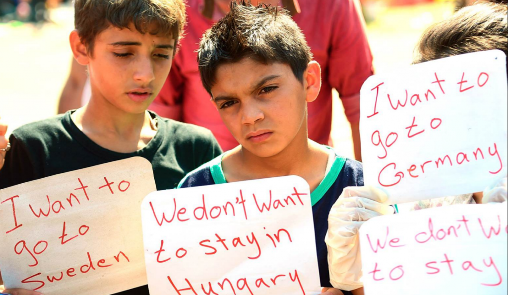 Ουγγαρία: Απεργία πείνας σχεδόν 100 μεταναστών σε κέντρο κράτησης   Pagenews.gr