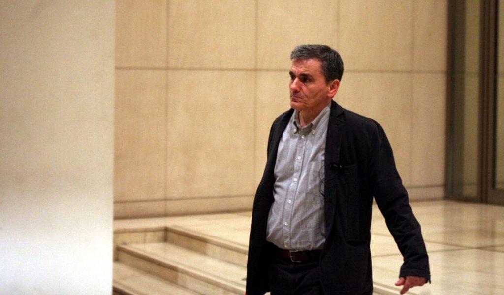 Έκλεισε η συμφωνία – Στα 5.685 το αφορολόγητο – 9% μείωση στις συντάξεις | Pagenews.gr