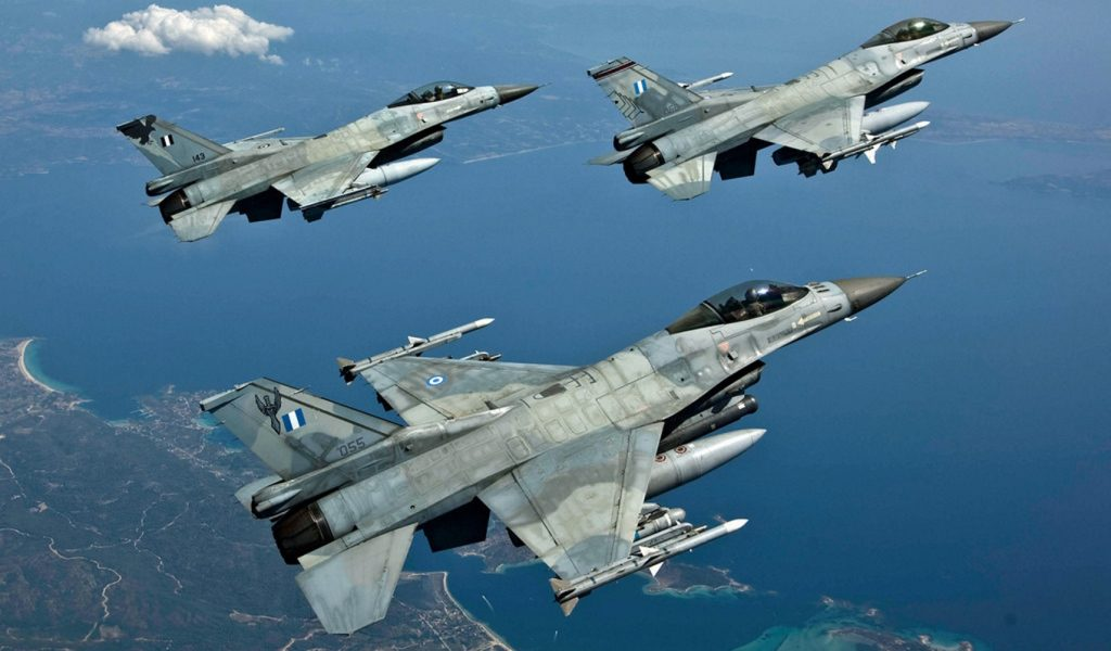 Χαμηλές πτήσεις μαχητικών αεροσκαφών πάνω από την Αθήνα | Pagenews.gr