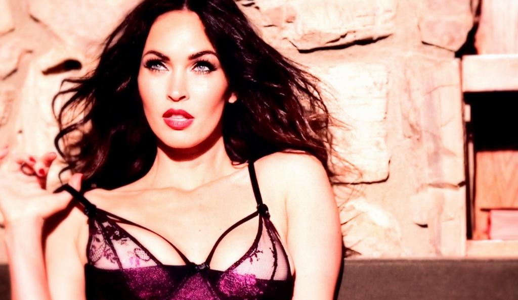 Η Megan Fox δοκιμάζει εσώρουχα και είναι σκέτη φαντασίωση (vid)   Pagenews.gr