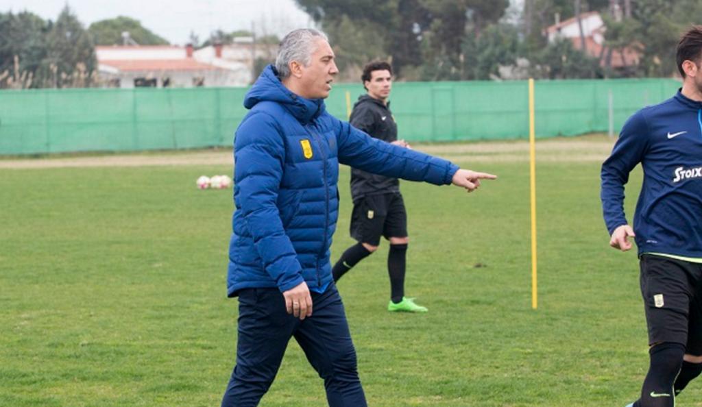 Κωστένογλου σε παίκτες: «Θέλω βελτίωση, η προπόνηση είναι πλέον κομμένη και ραμμένη στα μέτρα σας» | Pagenews.gr