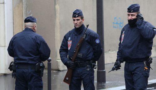 Γαλλία:  Άνδρας με μαχαίρι επιτέθηκε σε περαστικούς | Pagenews.gr
