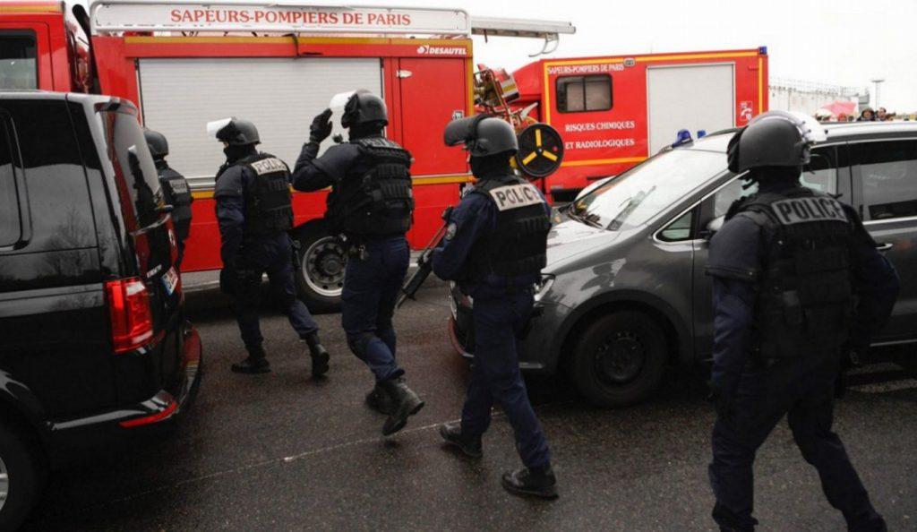 Αυτόπτης μάρτυρας: Την κρατούσε από τον λαιμό και απειλούσε τους πάντες | Pagenews.gr
