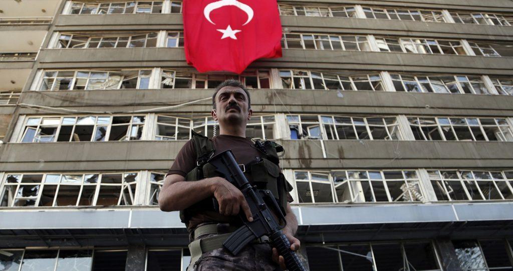 Τουρκία: Νέα εντάλματα σύλληψης για 25 στρατιωτικούς – Αναζητούνται και στην κατεχόμενη Κύπρο | Pagenews.gr