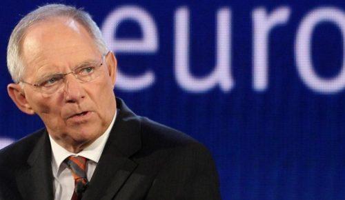 Σόιμπλε: Μόνο με ανταγωνιστική οικονομία μένει στο ευρώ η Ελλάδα | Pagenews.gr