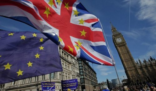 Δημοψήφισμα ζητούν οι Βρετανοί για τους όρους του Brexit | Pagenews.gr