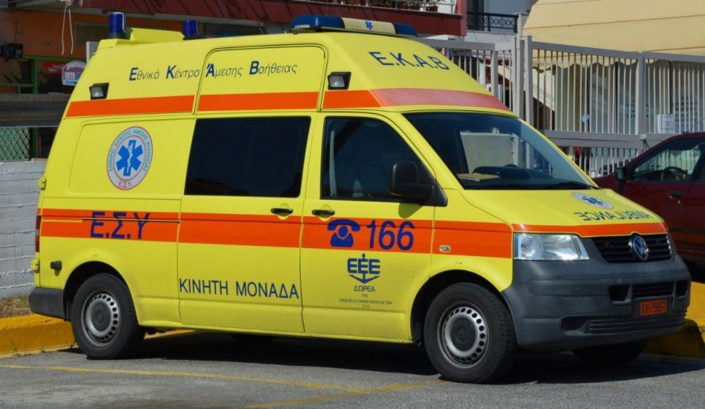 Ανετράπη όχημα της ΔΕΔΔΗΕ στη Λαμία (pics)   Pagenews.gr
