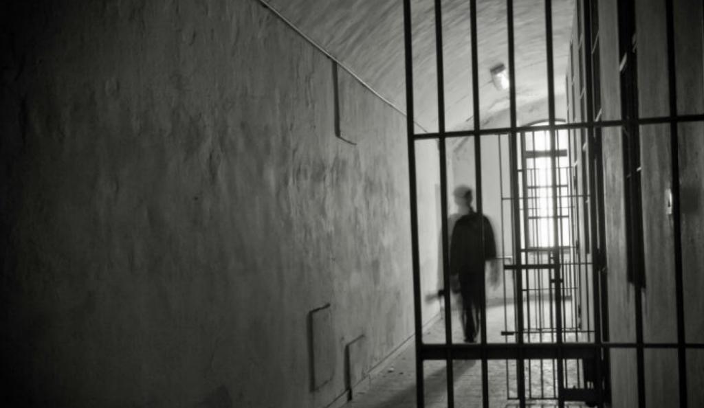 Θρίλερ με την ομηρία σωφρονιστικού υπαλλήλου στις φυλακές Τρικάλων | Pagenews.gr