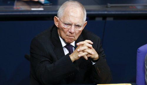Σόιμπλε: Μη ρεαλιστική η πρόταση Μακρόν για έναν υπουργό Οικονομικών της Ευρωζώνης | Pagenews.gr
