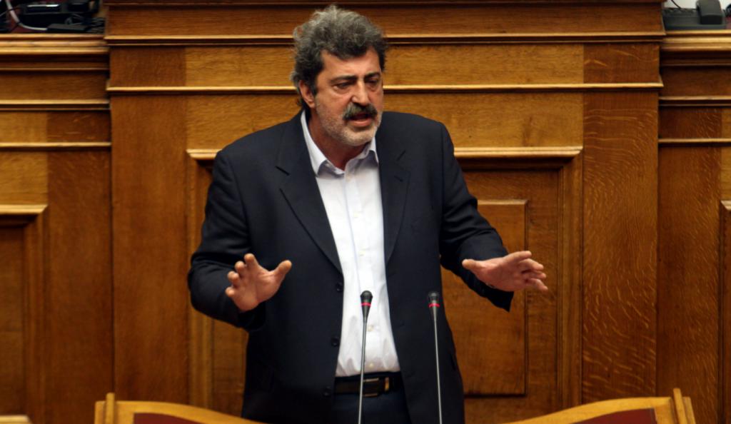 Από την πίσω…πόρτα του νοσοκομείου των Τρικάλων μπήκε ο υπουργός Υγείας (vid) | Pagenews.gr