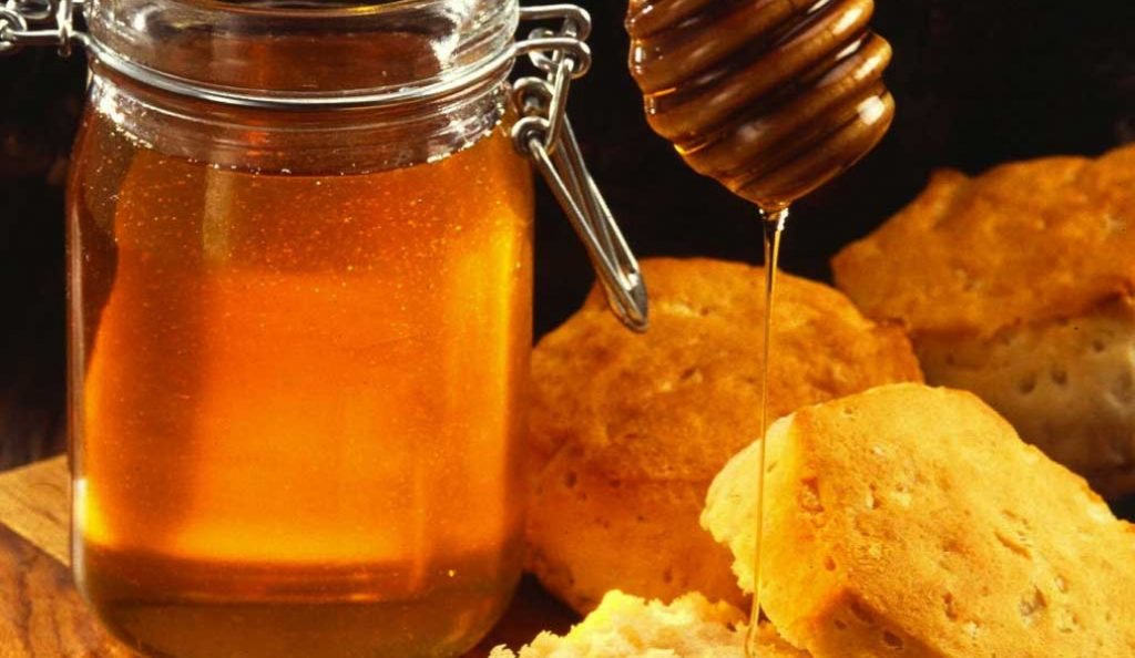 Μέλι: Πέντε χρήσεις του εκτός της κουζίνας – Οι θεραπευτικές του ιδιότητες | Pagenews.gr