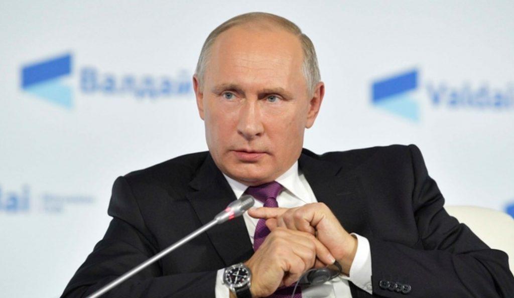 Βλαντίμιρ Πούτιν: Δεν με ενδιαφέρει αν Ρώσοι αναμίχθηκαν στις αμερικανικές εκλογές | Pagenews.gr