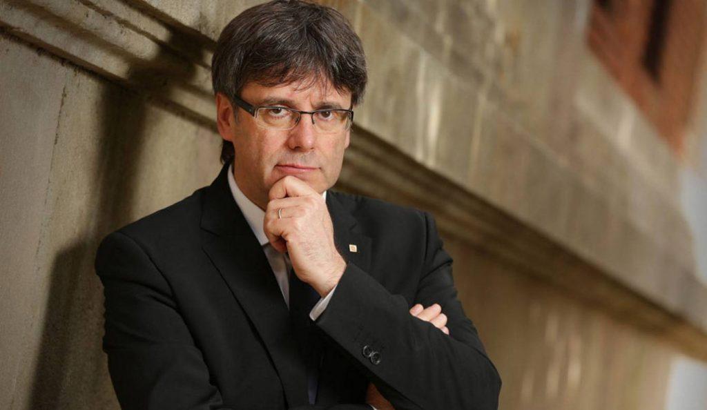 Ισπανία: Μόνο με δικαστική άδεια μπορεί να παρευρεθεί στο κοινοβούλιο ο Κάρλες Πουτζντεμόν | Pagenews.gr