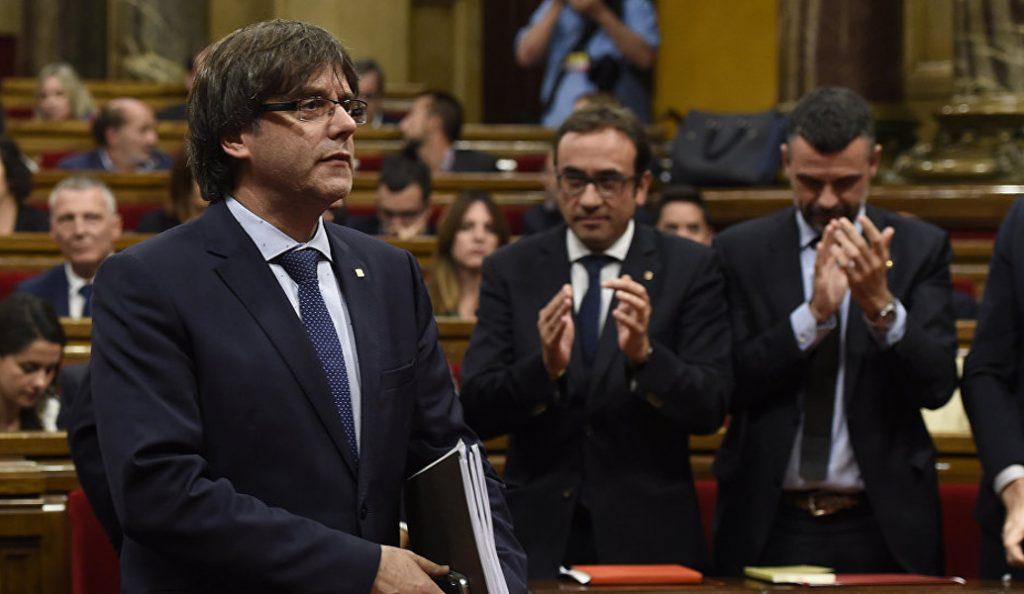 Κάρλες Πουτζντεμόν: Υπό τους ήχους του «Εξορκιστή», στην ισπανική κρατική τηλεόραση (vid) | Pagenews.gr