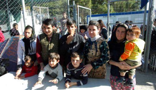 Guardian: Άθλιες οι συνθήκες για τους πρόσφυγες στα νησιά | Pagenews.gr