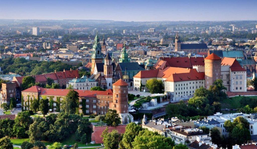 Ποινικό αδίκημα η χρήση της φράσης «πολωνικά στρατόπεδα θανάτου» | Pagenews.gr