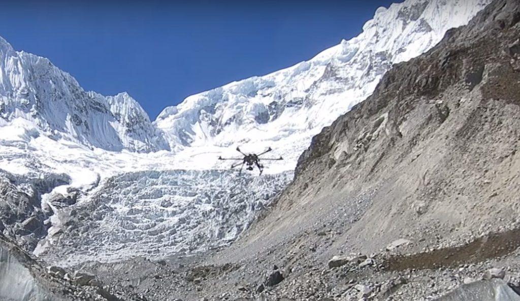 Drone: Νέο παγκόσμιο ρεκόρ πτήσης – Πέταξε στα 4.900 μέτρα | Pagenews.gr