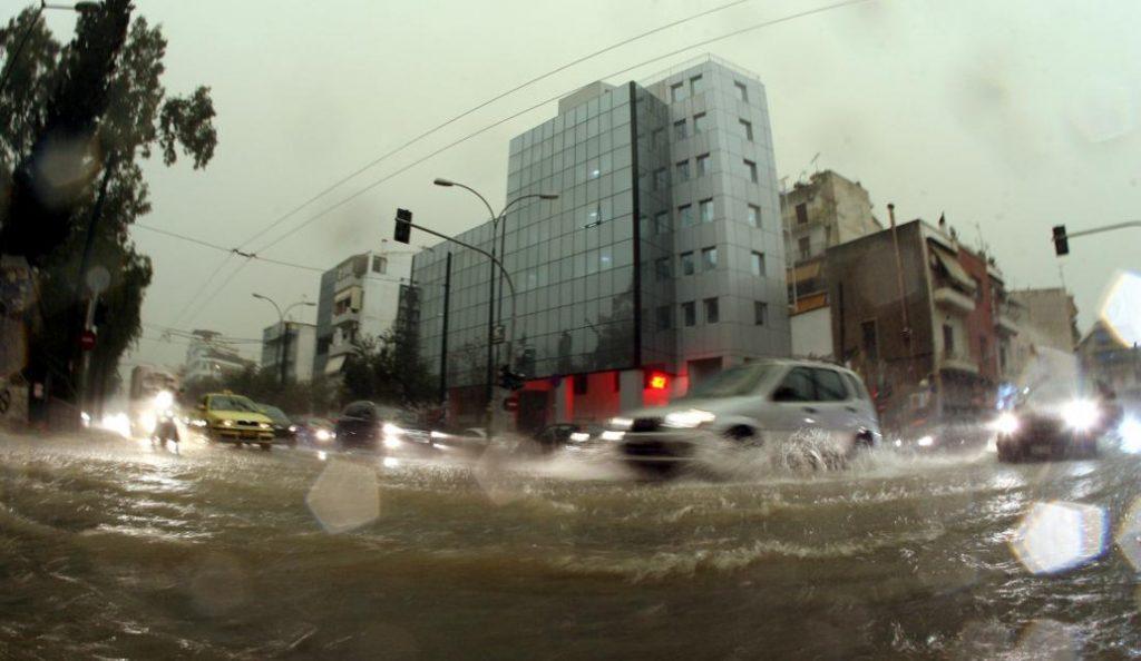 Κακοκαιρία»Ευρυδίκη»: Προβλήματα σε ολόκληρη τη χώρα – Συνεχίζονται οι βροχές και οι καταιγίδες (pics & vids) | Pagenews.gr