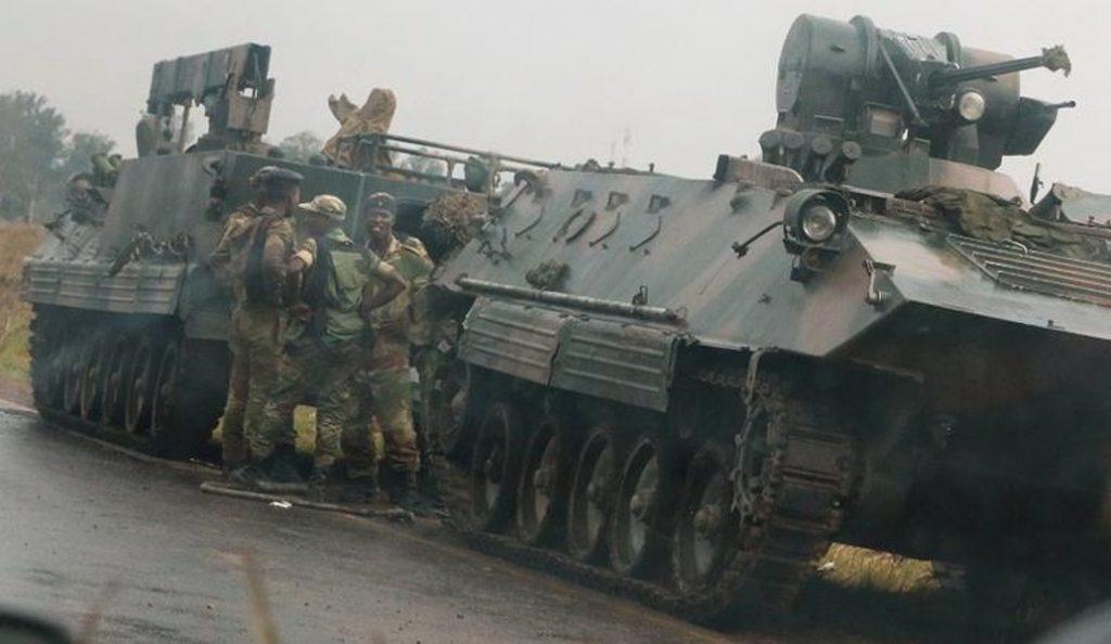 Πραξικόπημα στη Ζιμπάμπουε: Στρατιωτικοί και τεθωρακισμένα στους δρόμους | Pagenews.gr