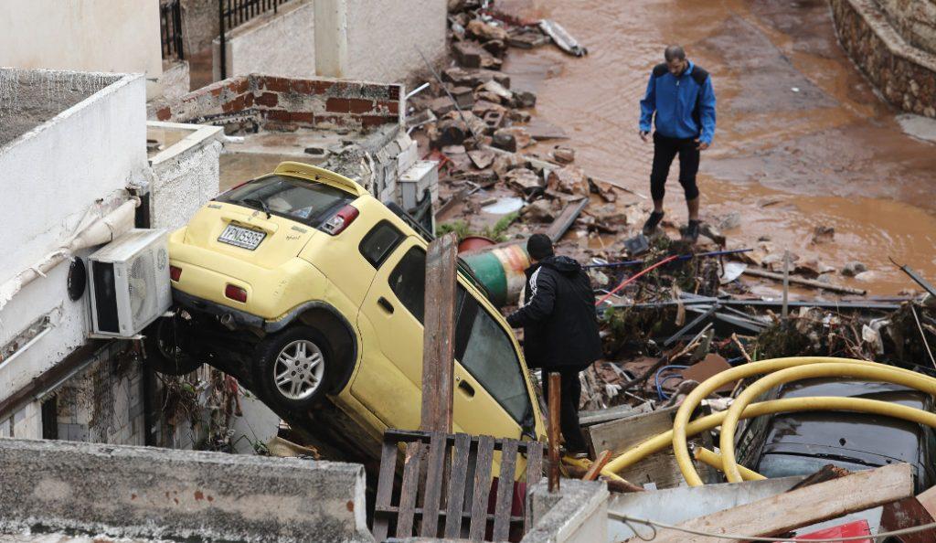Εικόνες βιβλικής καταστροφής σε Νέα Πέραμο, Μάνδρα και δυτική Αττική – Σε εθνικό πένθος κηρύχθηκε η χώρα | Pagenews.gr