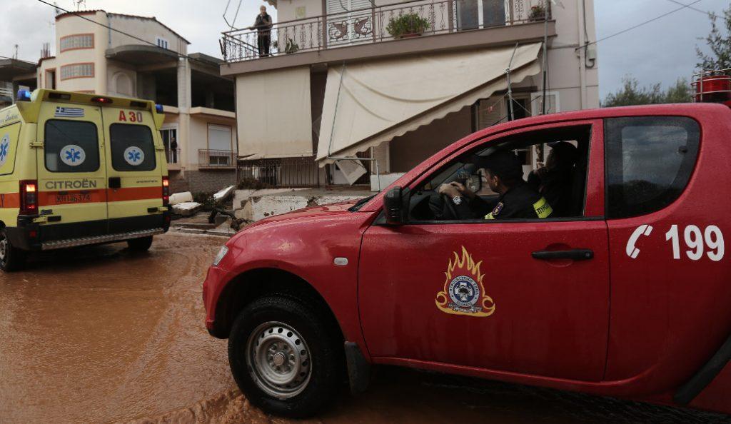 Δυτική Αττική: 910 κλήσεις στην Πυροσβεστική Υπηρεσία λόγω της κακοκαιρίας   Pagenews.gr