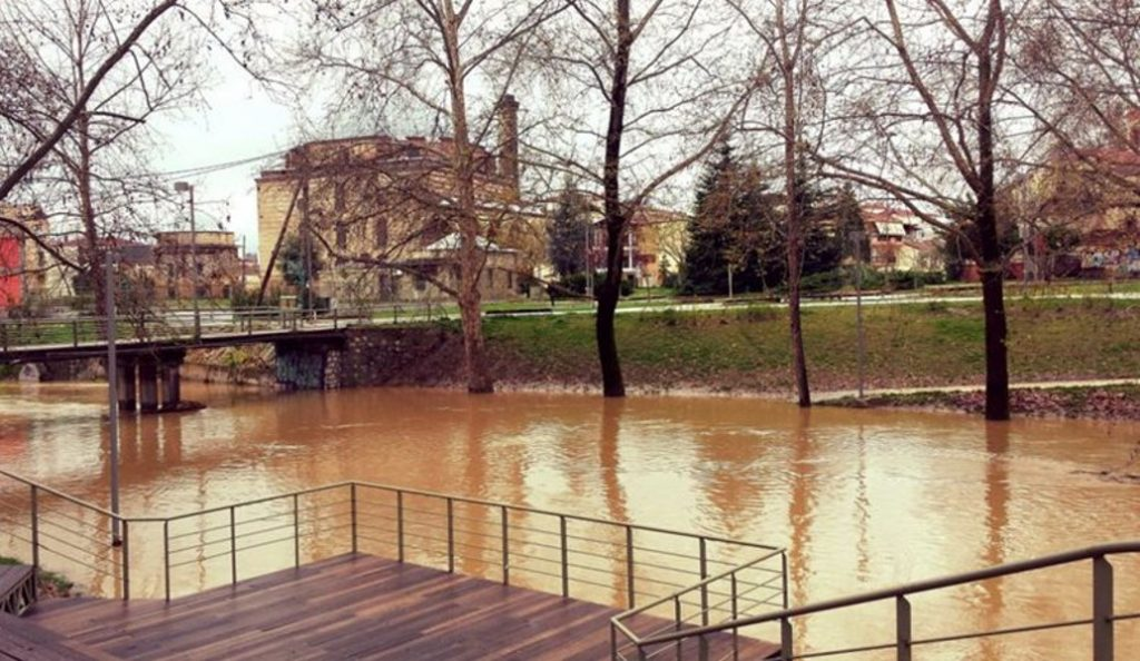 Τρίκαλα: Προβλήματα από τις βροχές – Υπερχείλισαν τα ποτάμια   Pagenews.gr