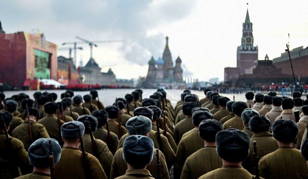 Έρευνα: Οι ΗΠΑ είναι ο υπ' αριθμόν ένα εχθρός για την Μόσχα | Pagenews.gr