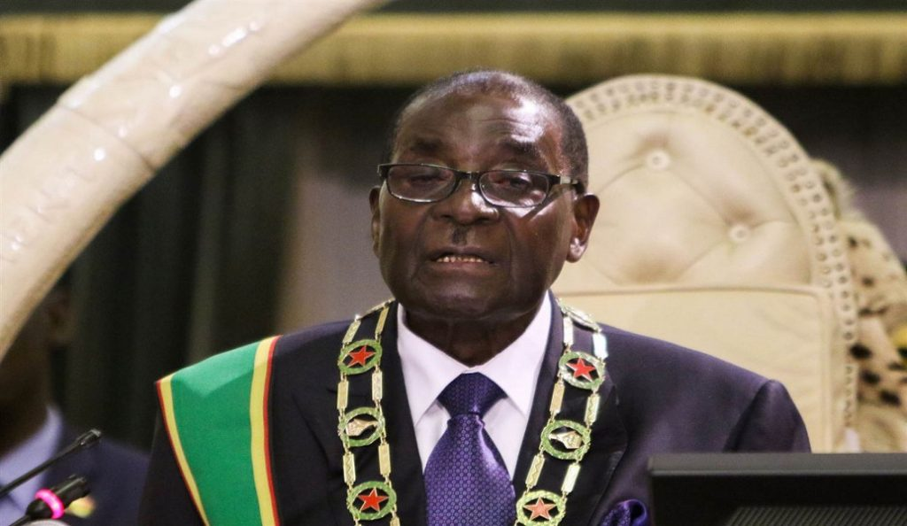 Ζιμπάμπουε: Χιλιάδες πολίτες γιορτάζουν την πτώση του Ρόμπερτ Μουγκάμπε   Pagenews.gr