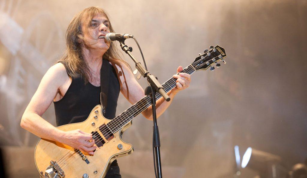 AC/DC: Πέθανε ο κιθαρίστας του θρυλικοού συγκοτήματος, Μάλκομ Γιάνγκ (vid) | Pagenews.gr