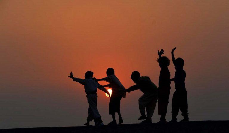 Παγκόσμια Ημέρα Δικαιωμάτων του Παιδιού: Σήμερα ας σωπάσουν οι μεγάλοι…   Pagenews.gr