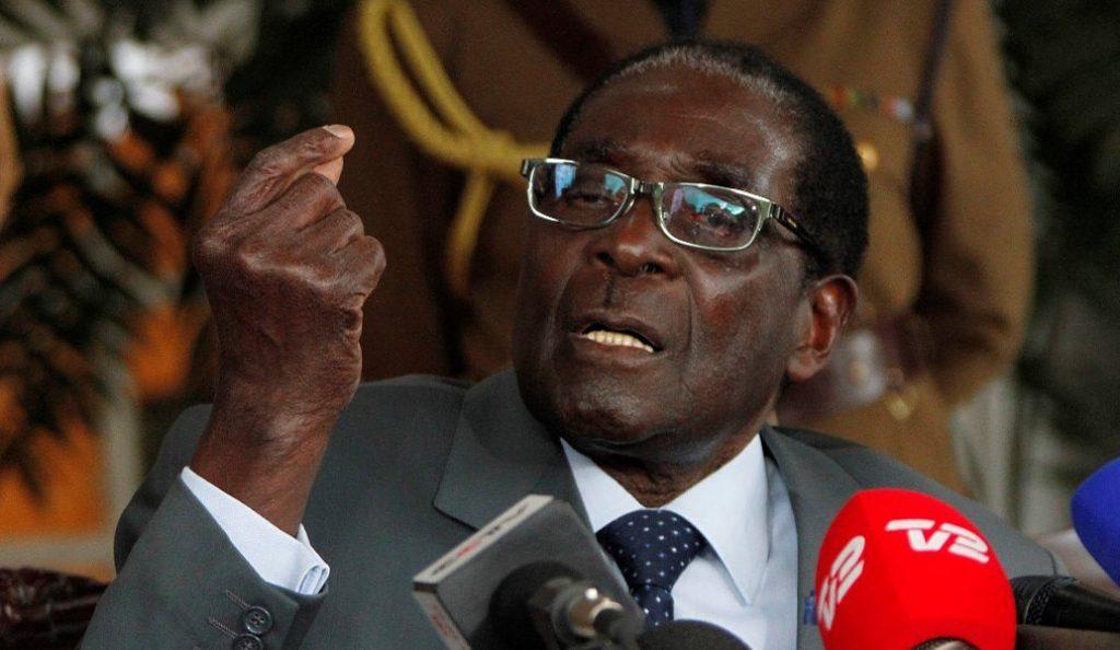 Ζιμπάμπουε: Ο Ρόμπερτ Μουγκάμπε παραμένει «εκ παραδρομής» πρόεδρος, για πολλούς πολιτικούς | Pagenews.gr