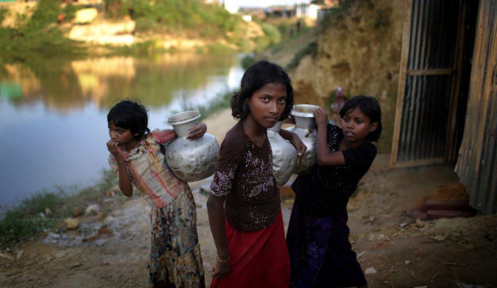 Μπανγκλαντές: Περισσότεροι από 100.000 πρόσφυγες Ροχίνγκια κινδυνεύουν από τους μουσώνες   Pagenews.gr