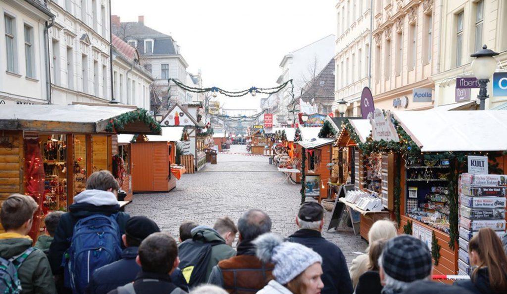 Βερολίνο: Βρέθηκαν τσάντες με 200 σφαίρες κοντά σε χριστουγεννιάτικη αγορά | Pagenews.gr