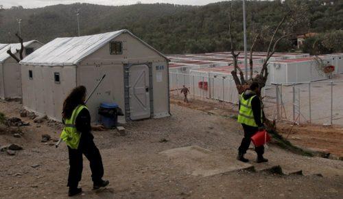Λέσβος: Μεταφέρθηκαν τελικά οι 50 οικίσκοι για τη στέγαση των προσφύγων στη Μόρια | Pagenews.gr