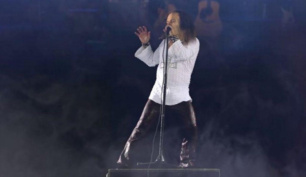 Ronnie James Dio: Ο θρυλικός performer επί σκηνής 7 χρόνια μετά τον…θάνατό του (pics) | Pagenews.gr