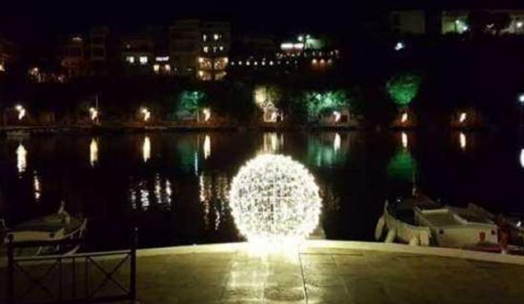 Λασίθι: Βανδάλισαν το χριστουγεννιάτικο στολισμό στον Άγιο Νικόλαο | Pagenews.gr