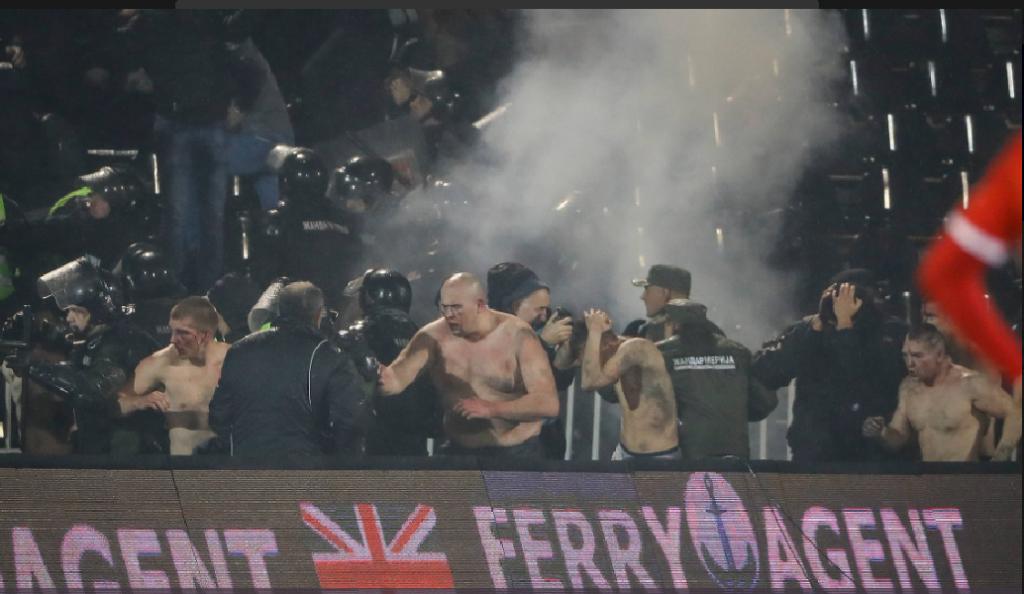 Οπαδοί της Παρτιζάν έδειραν και έγδυσαν οπαδούς του Ερυθρού Αστέρα (pics&vid) | Pagenews.gr