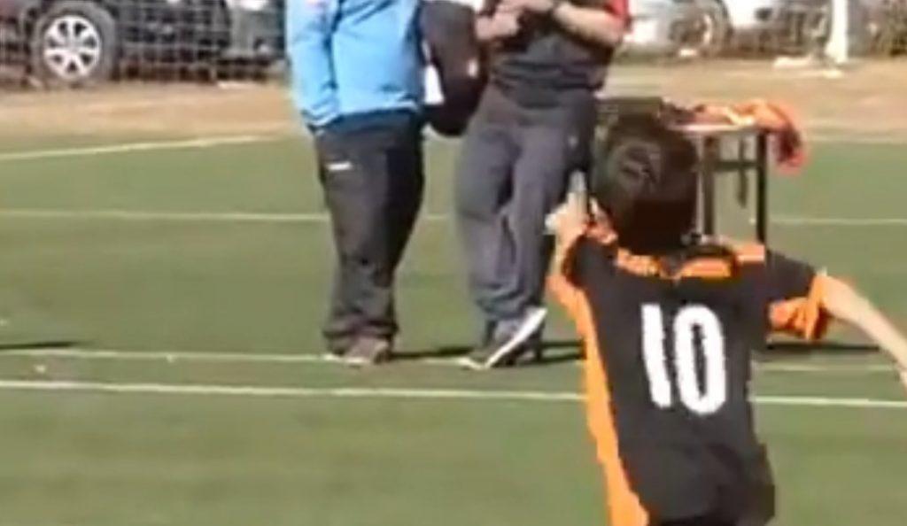 Αργεντινή: Απίστευτη εκτέλεση φάουλ από τον «μικρό Μέσι» (vid) | Pagenews.gr