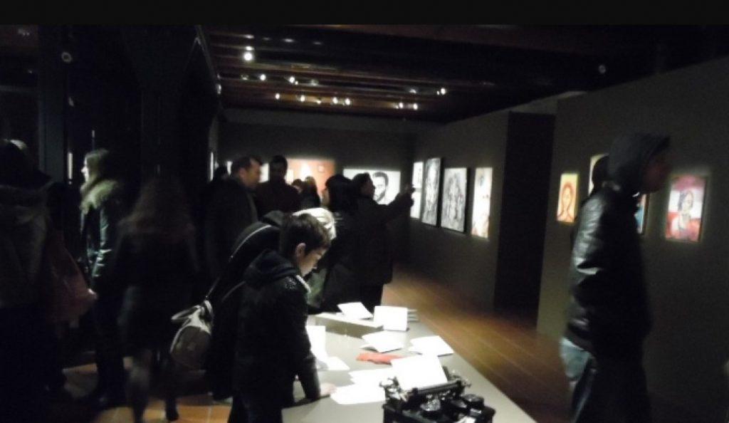 Οι άνθρωποι που συνάντησαν τους σωσίες τους σε ένα μουσείο (pics)   Pagenews.gr