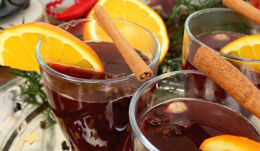 Glühwein: Δείτε πώς θα το φτιάξετε και εσείς το απόλυτο κρασί των γιορτών τώρα που κάνει κρύο | Pagenews.gr