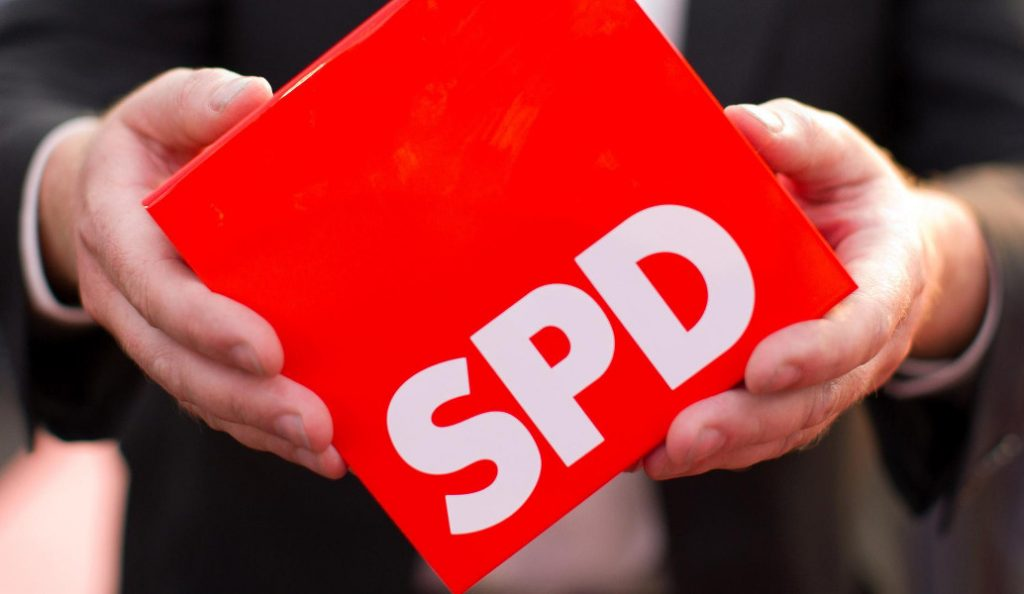 Δημοσκόπηση: Σε ιστορικό χαμηλό το ποσοστό του SPD | Pagenews.gr