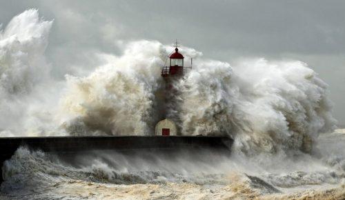 Καταιγίδα Eleanor: Σαρώνει την Ευρώπη – Τέσσερις νεκροί, τραυματίες, χιλιάδες σπίτια χωρίς ρεύμα (pics & vids) | Pagenews.gr
