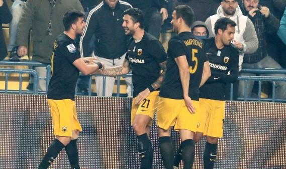 Αποθεώθηκε η ΑΕΚ στο Αγρίνιο (vid) | Pagenews.gr